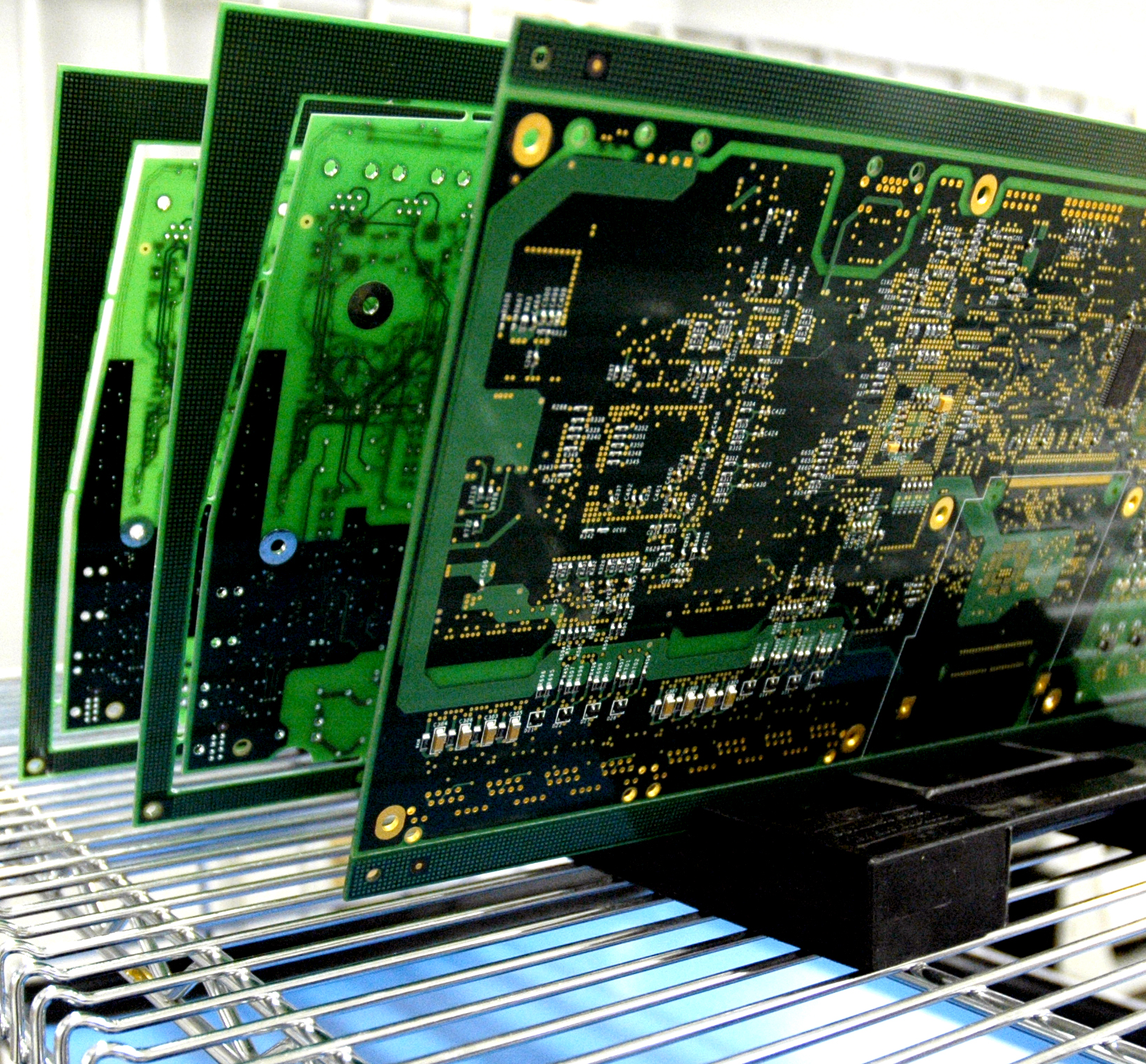 Why Should I Partner With A PCB Assembly Manufacturer?