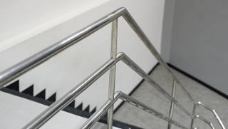 Aluminum Stairway with Extruded Aluminum Handrail