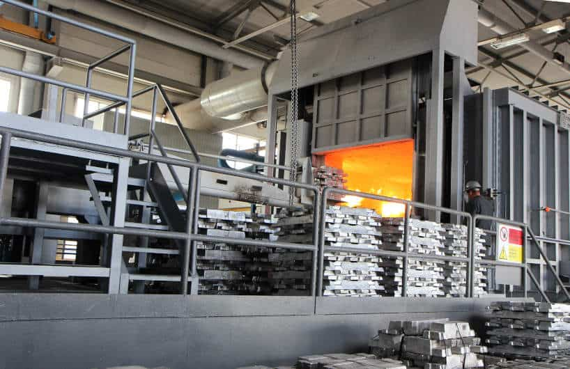 Understand the Difference Between Cast Aluminum and Extruded Aluminum